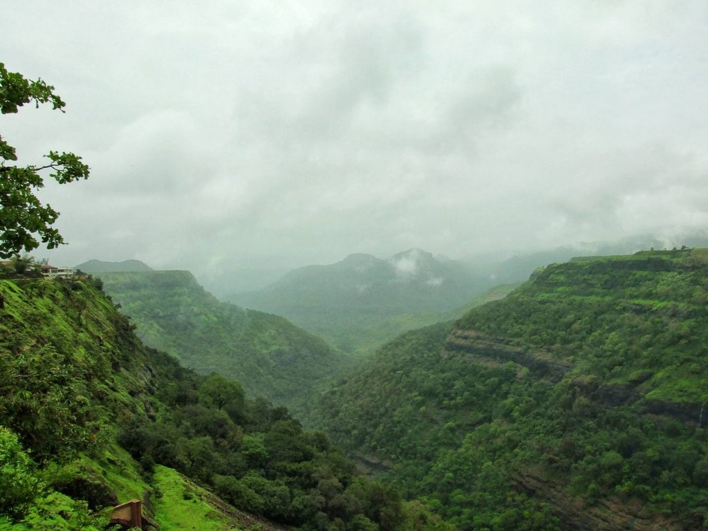 places to visit near mumbai in monsoon