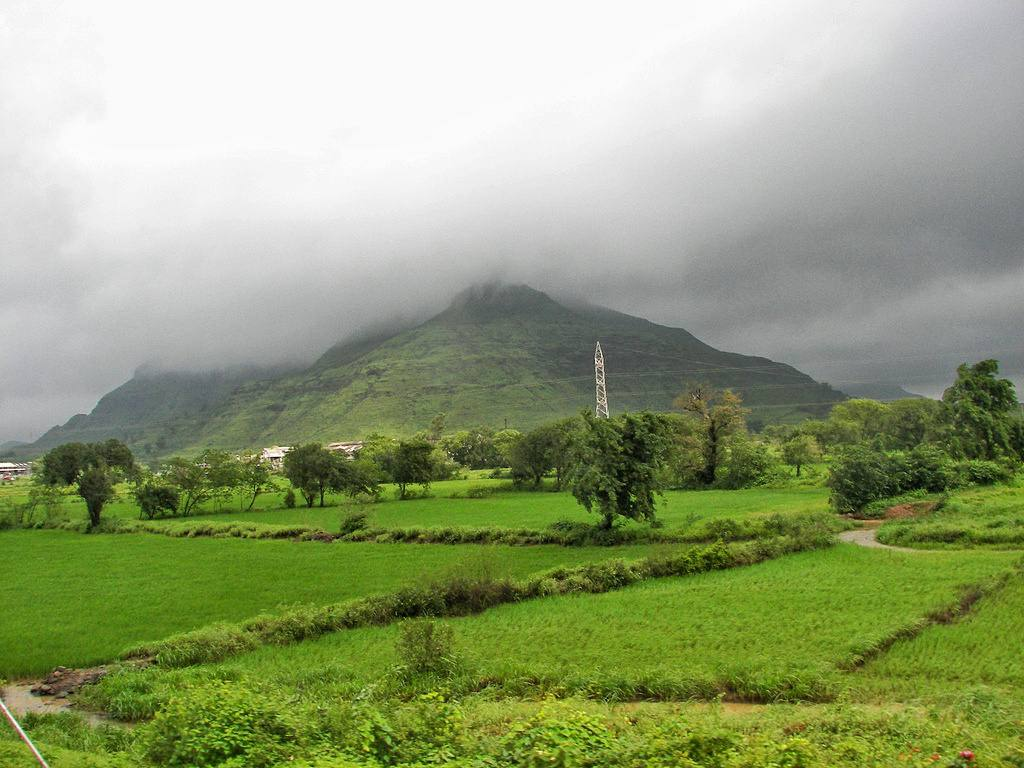 best places to visit near mumbai in monsoon