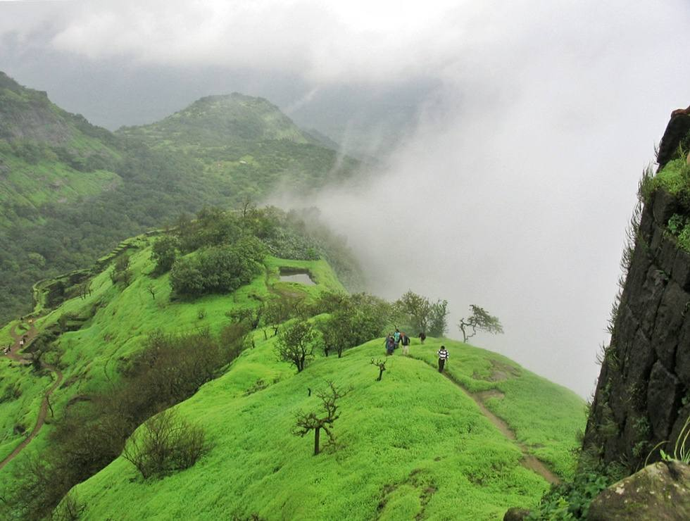 monsoon weekend getaways pune