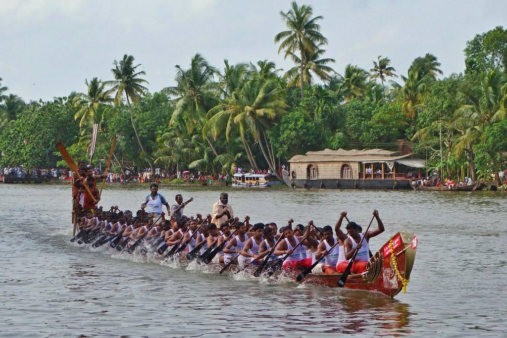 snake boat race alleppey