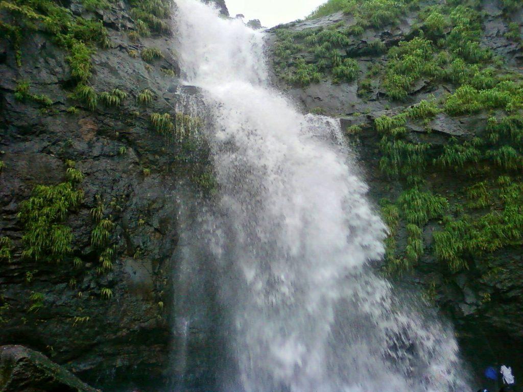 bhivpuri waterfall waterfalls near mumbai