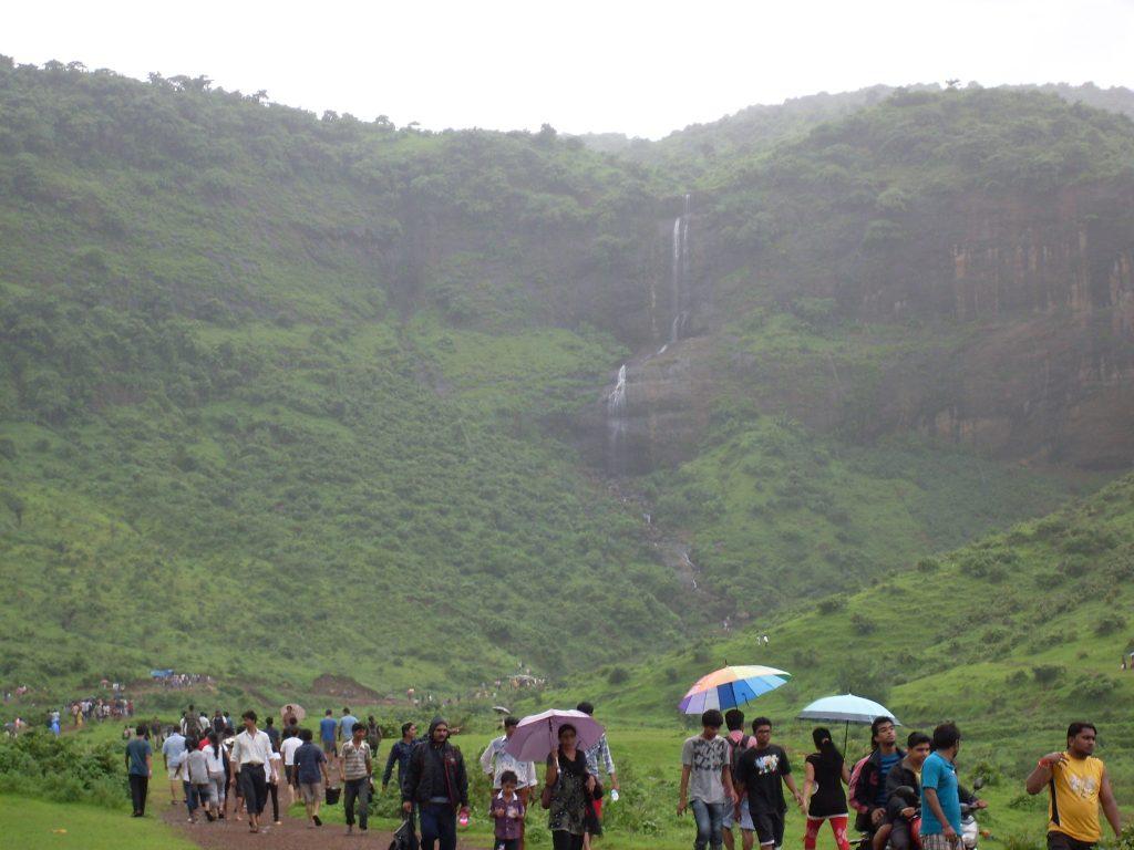 pandavkada resorts with waterfalls near mumbai
