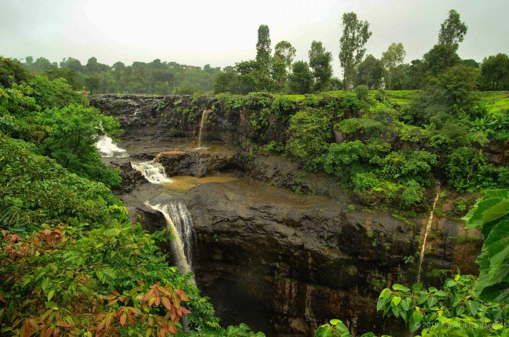 best waterfalls near mumbai randha waterfall