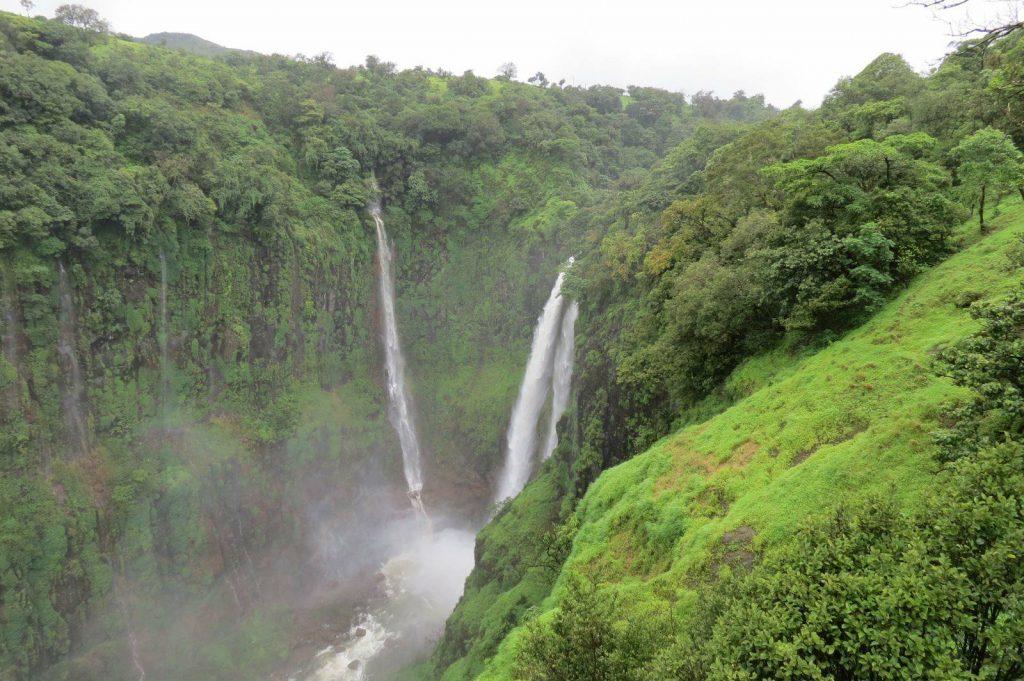waterfalls near mumbai by train
