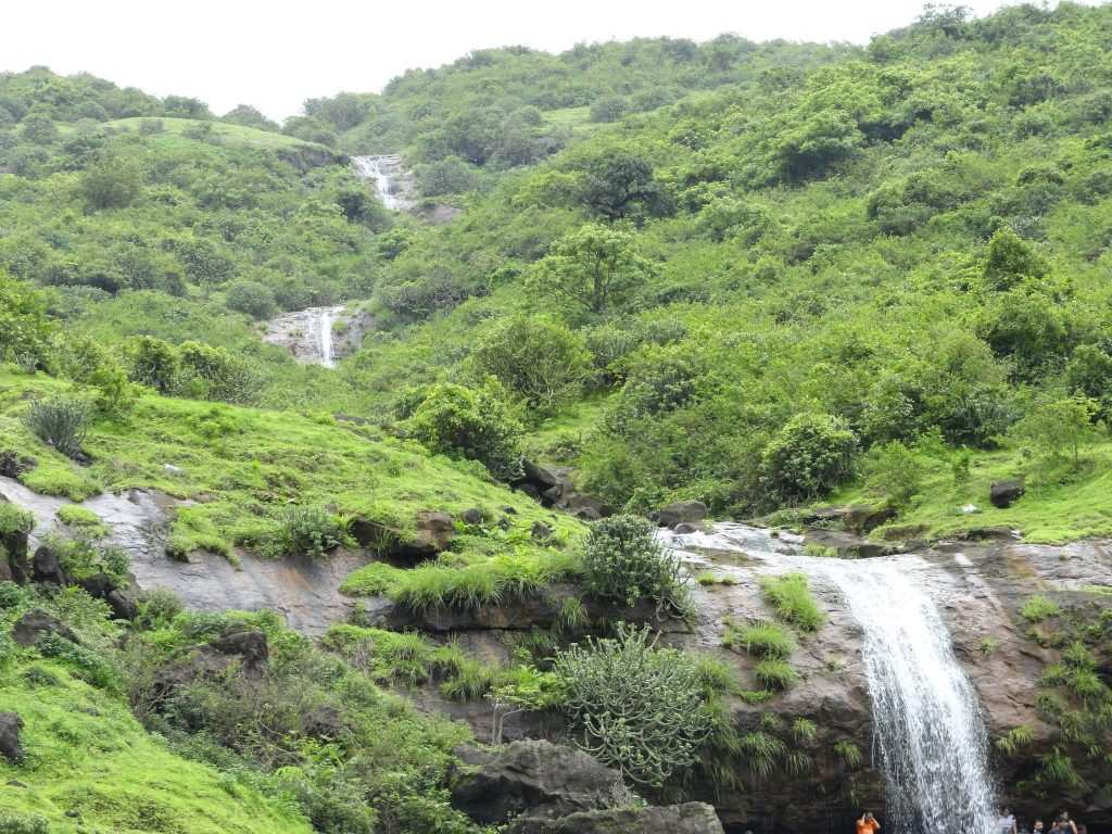 good waterfalls near mumbai