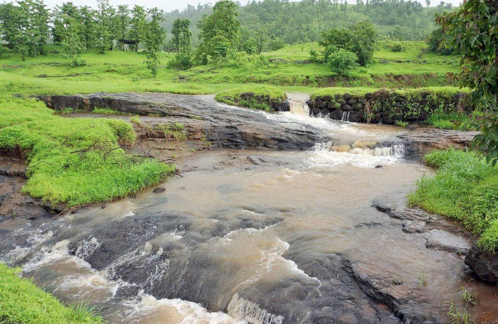 waterfalls near mumbai in monsoon
